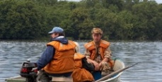 Рыбакам на заметку: Черпак в лодке