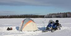 Как правильно установить на льду палатку для зимней рыбалки