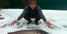 12-килограммового сома пришлось вытягивать за нижнюю губу