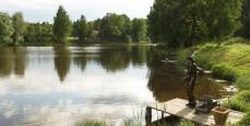 Как рыболов должен вести себя у воды